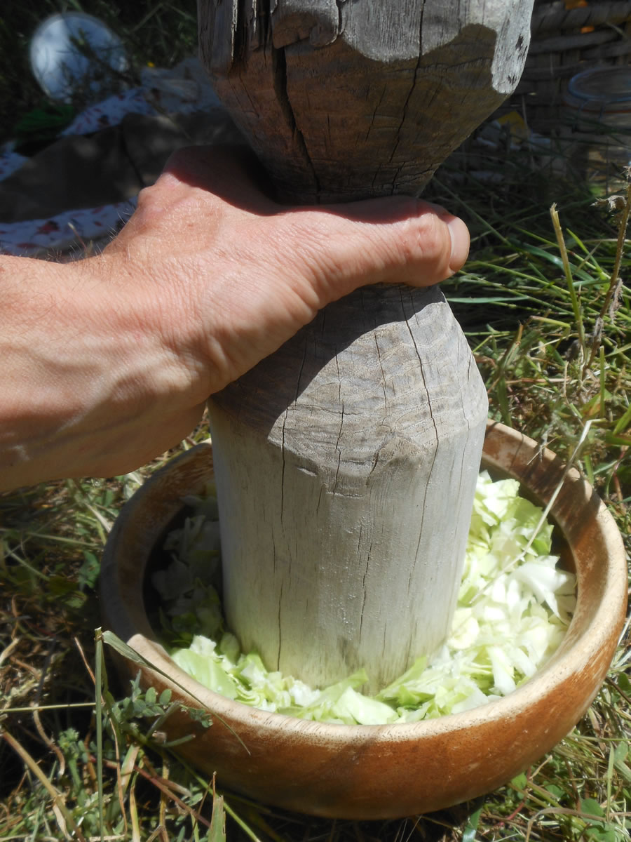 Mallet to smash the cabbage
